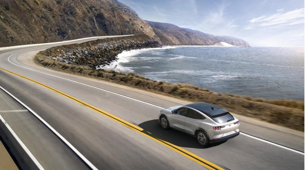 Mach-E: First non-Tesla EV to reach 300 miles of EPA-rated range