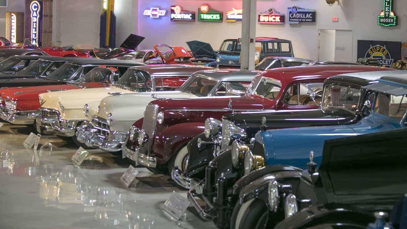 Detroit architectural design influences Mustang Mach-E interior